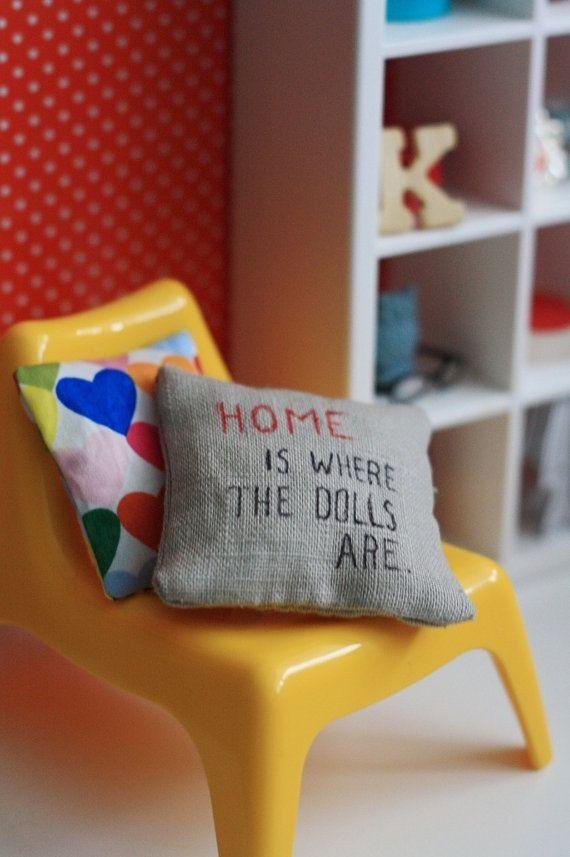 Doll sized pillow set