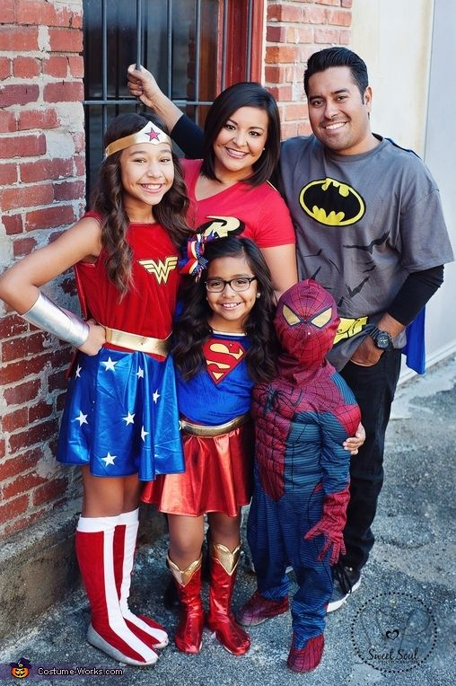 Linda: Mom and dad (Batman and Robin) big sister Wonder Woman, little sister is Super girl and brother is Spider-Man.