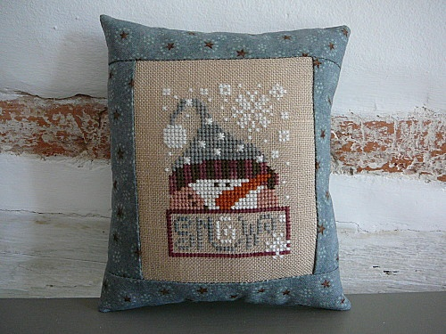 Let it Snow, designed by Barbara Ana Astray Mendez, from Barbara Ana Designs, stitched by au hasard des oiseaux blogger.