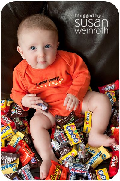 eek - adorable! halloween baby picture idea! You could put a cute orange and black tutu on a little girl...hint hint :)