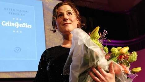 Nederlandse dichteres Ester Naomi Perquin (33) is de winnaar van de VSB Poëzieprijs 2013. Ze krijgt de jaarlijkse onderscheiding voor Nederlandse poëzie voor haar dichtbundel Celinspecties.