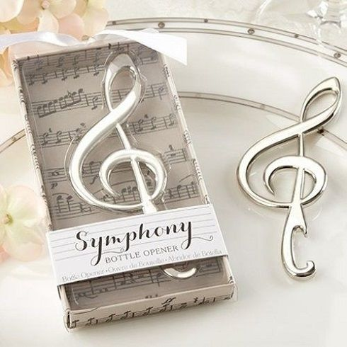 Violin kulcs alakú sörnyitóval új értelmezést kaphat a palackok nyitása! Minden egyes szisszenés zene lesz füleidnek. Komponálj e remek hangból...