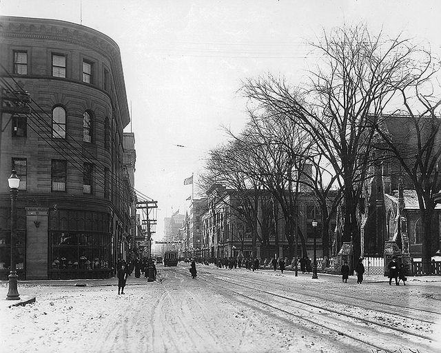 St. Catherine Street at Union Avenue, looking west, Montreal, QC, 1915, via Flickr.