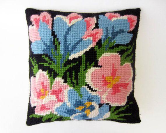 Housse de COUSSIN vintagecanevas laine bouquet par LeFrenchBazaar