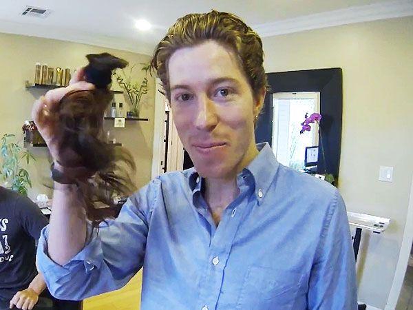 Shaun White cut hair for Locks of Love in Dec 2012