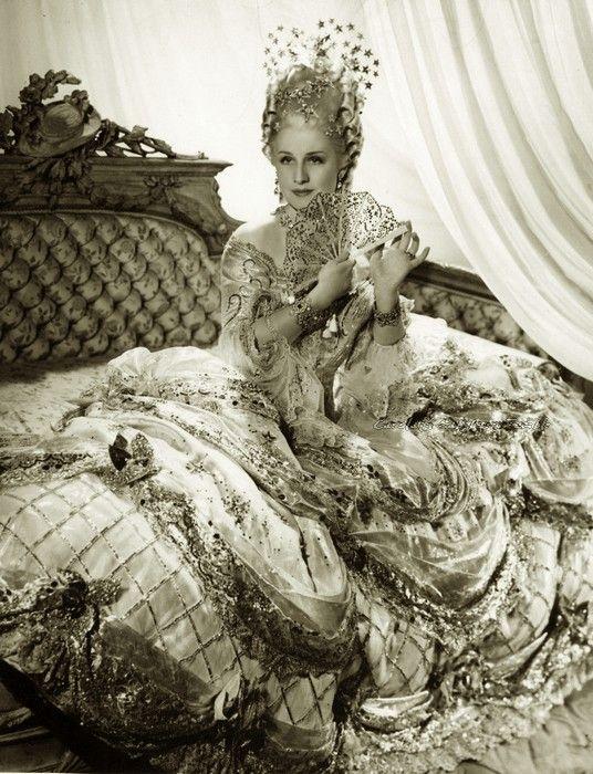 """Norma Shearer as """"Marie Antoinette"""" . 1938."""