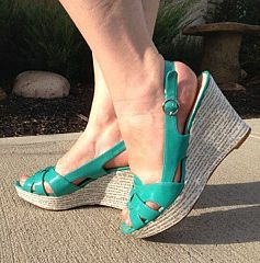 Story Shoes that Walk the Talk on http://wanderlustandlipstick.com/blogs/wanderlit