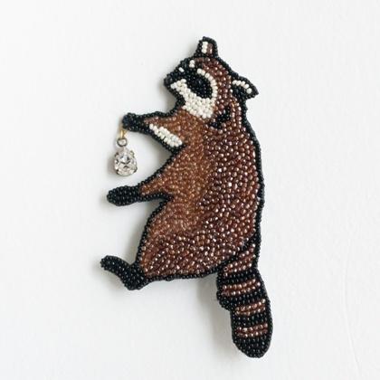 beads brooch by Moko Kobayashi