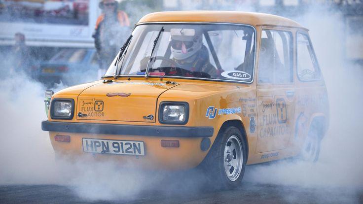De snelste elektrische auto ter wereld komt uit de jaren '70 - http://www.topgear.nl/autonieuws/snelste-elektrische-auto-komt-uit-jaren-70/