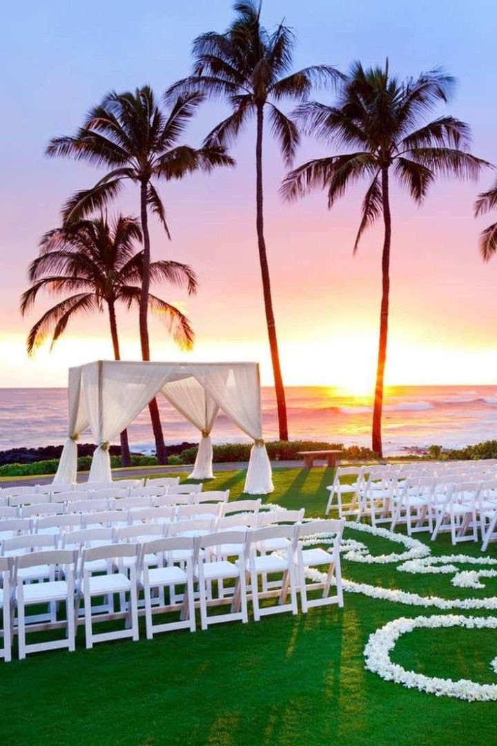 Reason to have a destination wedding: Your wedding will look like a postcard! Photo via Vacation Idea