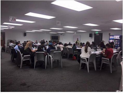 Parents at Juvenile Hall of Orange County getting the support/mentorship to help help their children who are detained. Padres de Juvenile Hall De Condado de Orange recibiendo el apoyo para ayudar a sus hijo/hija(s) detenidos.
