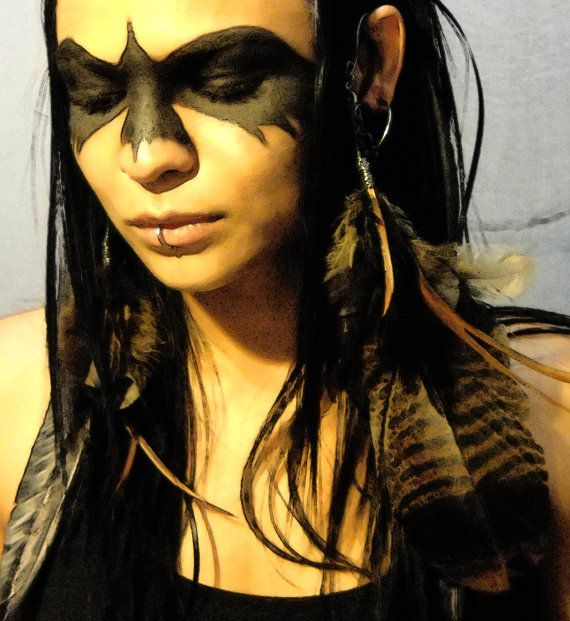 Raven make-up and feathers