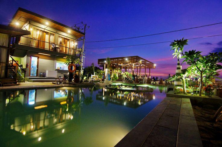 Mola2 Resort Gili Air  Terinspirasi dari ikan dari perairan Bali yang melambangkan keberuntungan dan kemakmuran, Mola2 Resort menghadirkan 48 kamar berkonsep tradisional Lombok dan modern kontemporer.  bit.ly/Mola2Resort