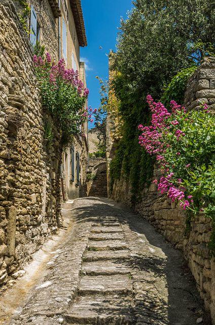 Gordes, Luberon #gordes #provence #holidays