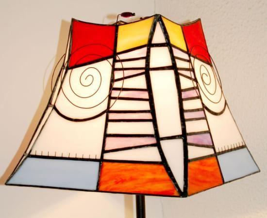 Lámpara de pie de vidrio