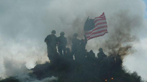 Soldaten met de amerikaanse vlag