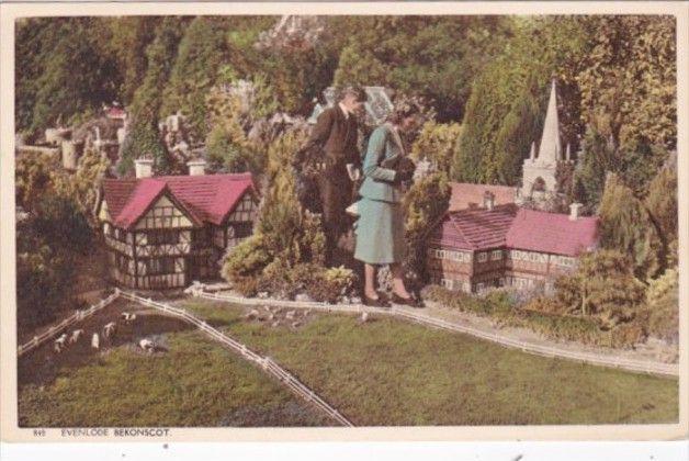 England Beaconsfield Bekonscot Model Village postcard