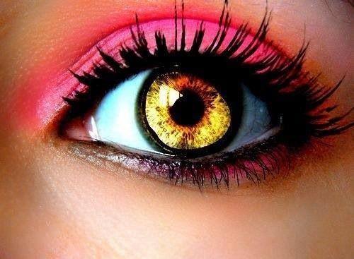 Pink make up