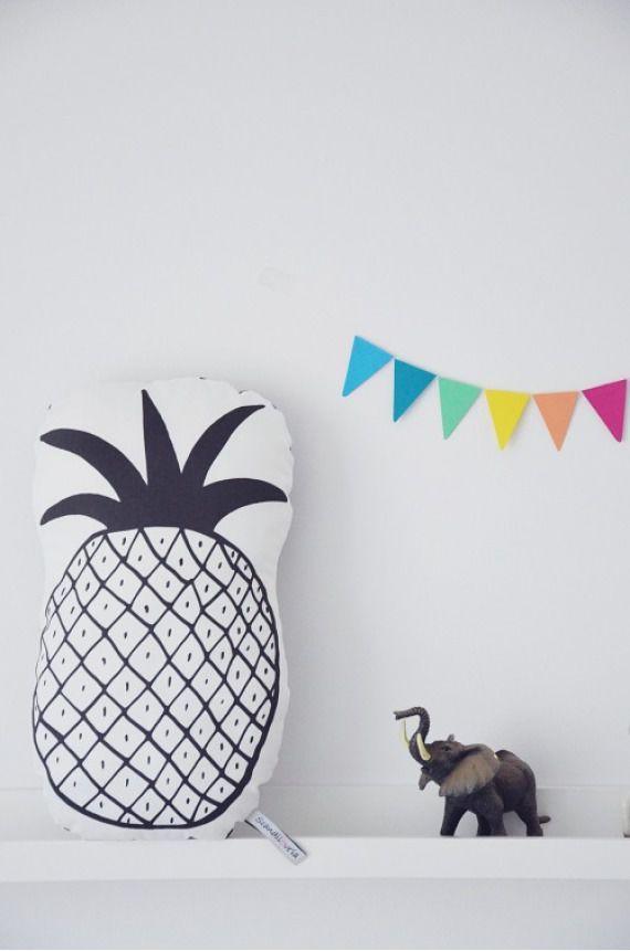 Poduszka dekoracyjna - ANANAS