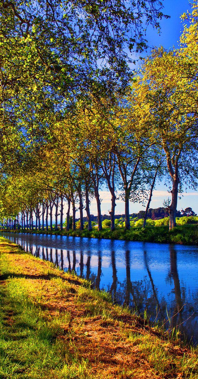 Canal du Midi, France www.audetourisme.com