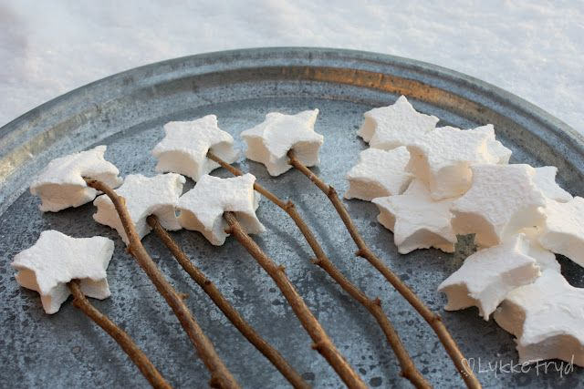 Love for campfire treatsMarshmallows Stars, Stars Marshmallows, Roasted Stars, Hjemmelag Marshmallows, Det Selves, Stars Shape, Stars Marshmellow, Gjør Det, Parties Food