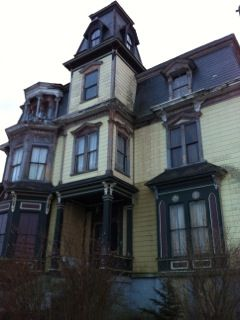 """The Real Haunted House in """"The Lost Boy"""" Though they had desperately tried, Lillian and Edwin Gonzalez were unable to have children. Instead they decided to indulge another dream and in 2008 bought a"""