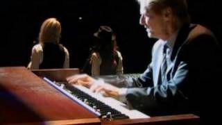 Leonard Cohen - Hallelujah, via YouTube.