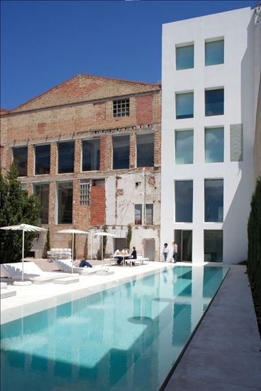Living Inside a 1940s Spanish Factory | INTERNATIONAL ARCHITECTURE & DESIGN
