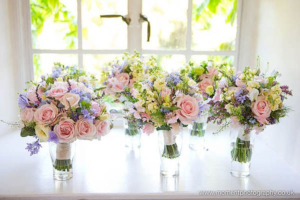 A colourful pastel chic English country garden inspired wedding – Sophie and Jonathan