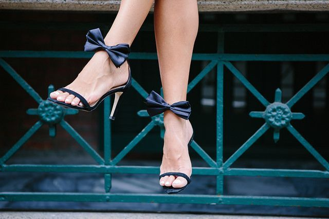 MAKE THESE: EASY BOW PARTY HEELS