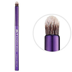 What it is:A unique blending brush designed specifically to work with 24/7 Glide-On Shadow Pencils.What it does:Created with the same vegan materials as Urban Decay's Good Karma brush collection, this brush has super-soft synthetic