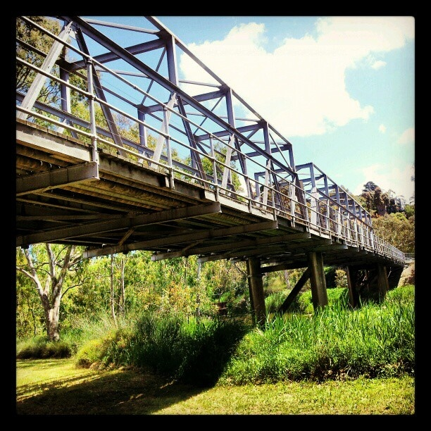 Queens Park bridge Geelong.  This is a one way bridge on a busy road.