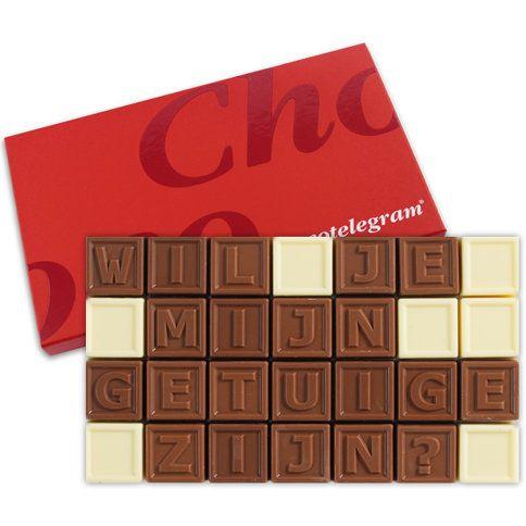 Zorg voor een origineel cadeau! Stel de vraag aan je getuige in melk en witte CALLEBAUT chocolade! Valt altijd in de smaak
