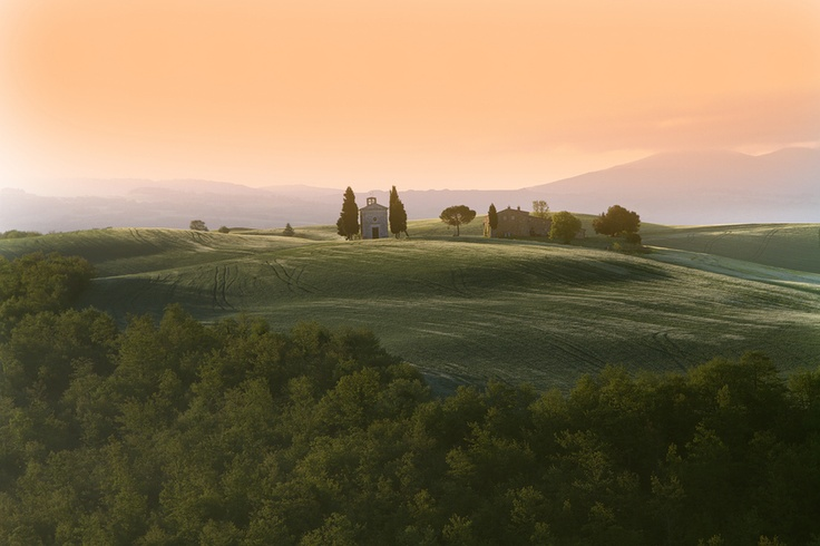 by Giovanni Auricchio