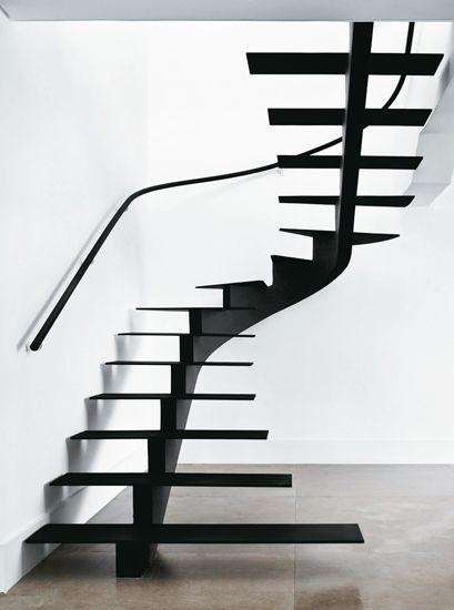 Un escalier épuré et sculptural