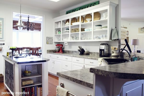 Image from http://i1231.photobucket.com/albums/ee503/Shaunna-PerfectlyImperfect/Nate%20and%20Design%20TV/kitchen_right_side.jpg.