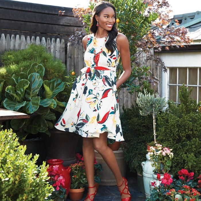 Romantic Floral Dress in Misses. Ciao, Bella!Inspired by theITALIAN FLAIR FOR THE DRAMATIC, theSPRING SIGNATURE COLLECTIONturns up the volume withSPLASHY PRINTS, BOLD COLORS, ULTRA-FEMININEsilhouettes andhigh-impact accessories.