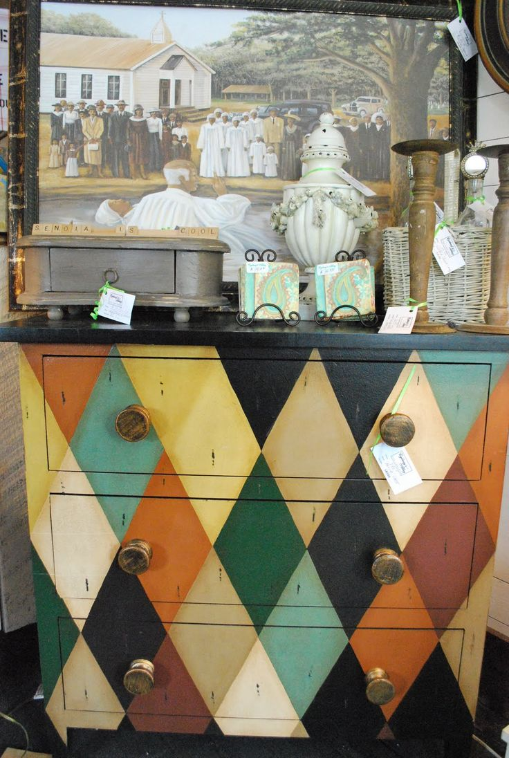 I like the way this chest has been accessorized, Living with painted furniture...Diamonds harlequin