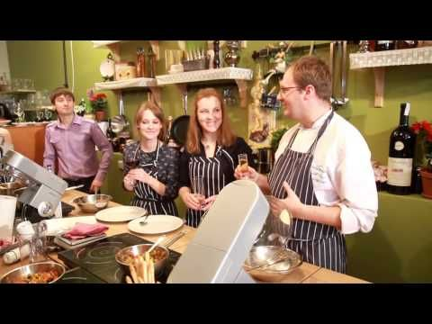 ▶ Кулинарные встречи - Oliva - amici e cucina. Ресторан Олива, пицца, паста, рыба, гриль...... - YouTube