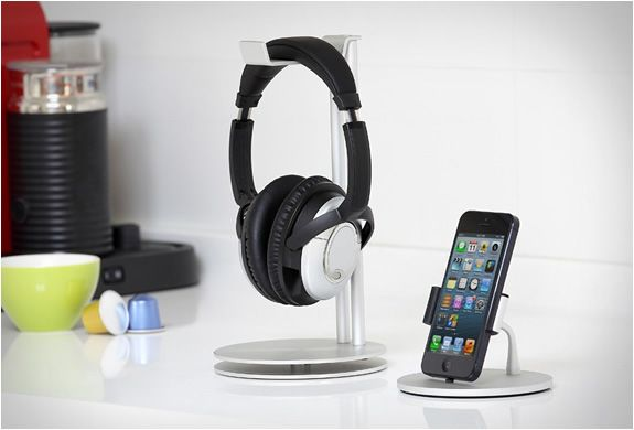 just-mobile-headphone-stand-2.jpg