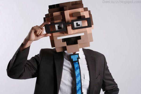 DIY 8-Bit Costume by Dan Liuzzi via photojojo: Pixel perfect! #Halloween _Costume #Pixel_Costume #Dan_Liuzzi #photojojo