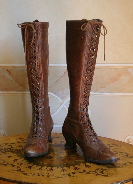 if I had long legs...: Boots Victorian, Nike Free Shoes, Boots Lace, Bicycles Boots, 1902, Cowboys Boots, Awesome Boots, Flats Boots Sneak, Boots Originals
