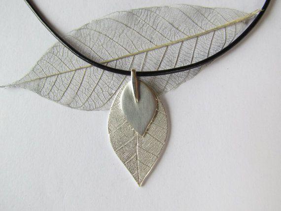 silver double leaf pendant