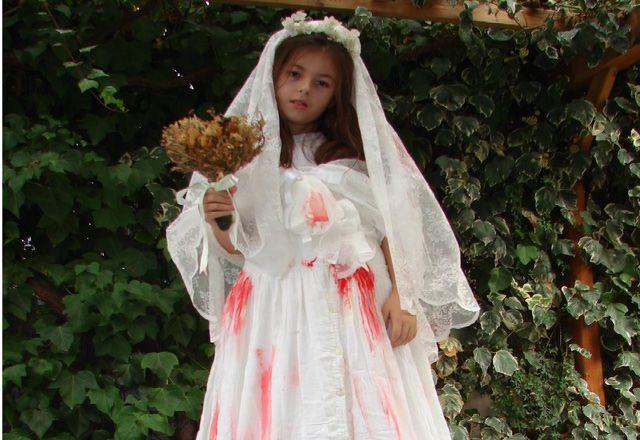 Disfraz de novia cadáver hecho en casa. Fácil, rápido, barato y perfecto para Halloween.