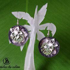 Boucles d'oreilles: fleurs tropicales blanches