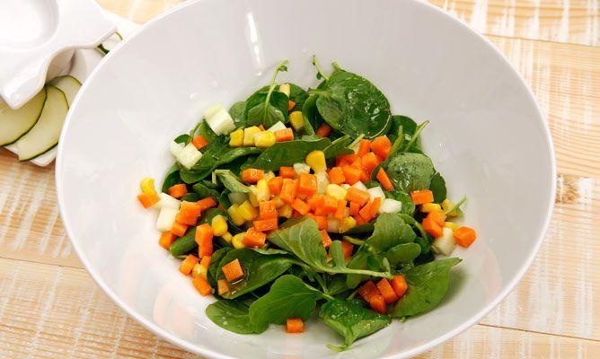 Receta de Ensalada de berros, pepino y zanahoria