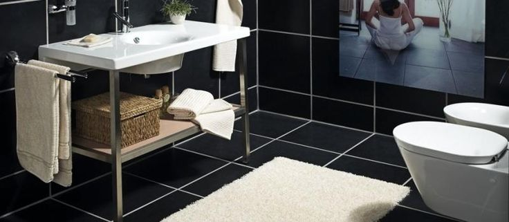 Bílý koberec s možností individuálního tvaru a velikosti. / White rug with the individual shape and size. http://www.bocapraha.cz/cs/aktualita/79/fletco-rugs-kusove-koberce-na-prani/