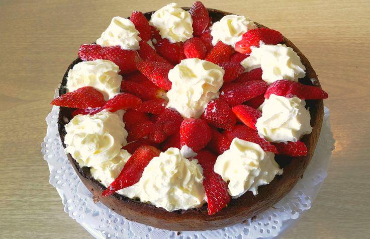 Шоколадный торт из 3 ингредиентов! Flourless Rich Chocolate Cake!