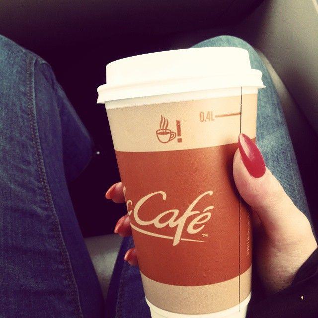 #mccafe#coffee#morning#goodmorning#happytime#jeans#rednails#blogger#blog#liveblog