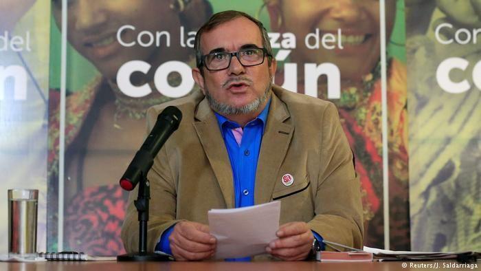 """FARC denuncia """"boicot"""" y """"bloqueo financiero"""" a su campaña electoral -  El líder de la Fuerza Alternativa Revolucionaria del Común, el partido creado por la antigua guerrilla de las FARC, Rodrigo Londoño, descartó cualquier posibilidad de renunciar a su candidatura por la presidencia de Colombia en las elecciones del próximo 27 de mayo. """"No voy a renunciar a l... - https://notiespartano.com/2018/03/01/farc-denuncia-boicot-bloqueo-financiero-campana-electoral/"""